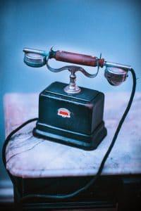vieux telephone a cadran